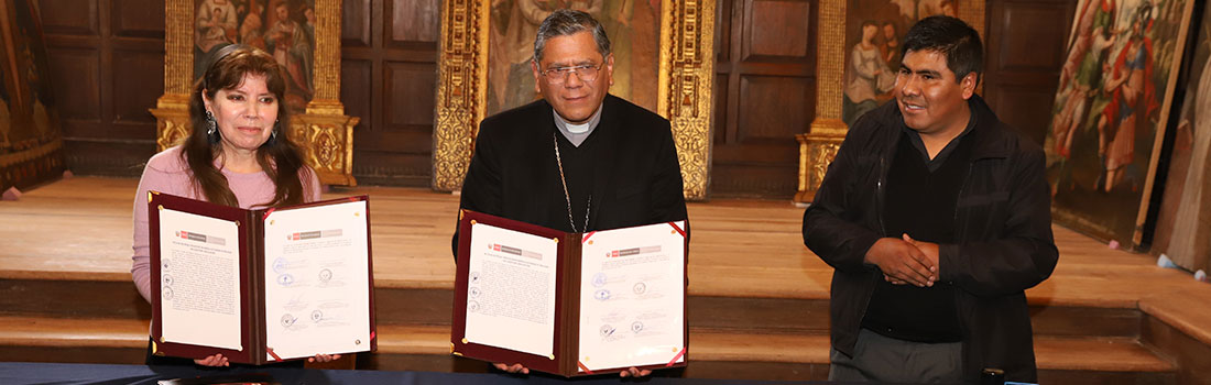 ENTREGA DE LIENZOS A LA PARROQUIA DE NUESTRA SEÑORA DE LA ALMUDENA POR PARTE DEL MINISTERIO DE CULTURA